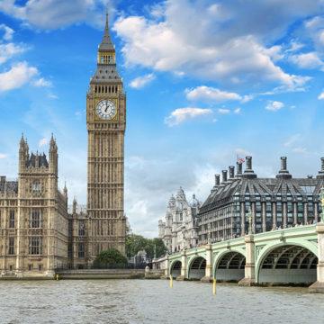 Vista externa do Big Ben e da sede do parlamento do Reino Unido