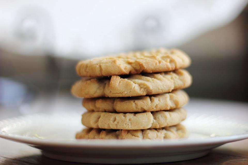 Biscotti su un piatto
