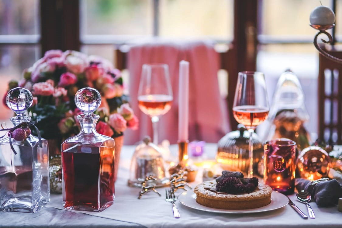 Nichts ist romantischer als ein Candle-Light-Dinner für Zwei in Ihrem Hotel