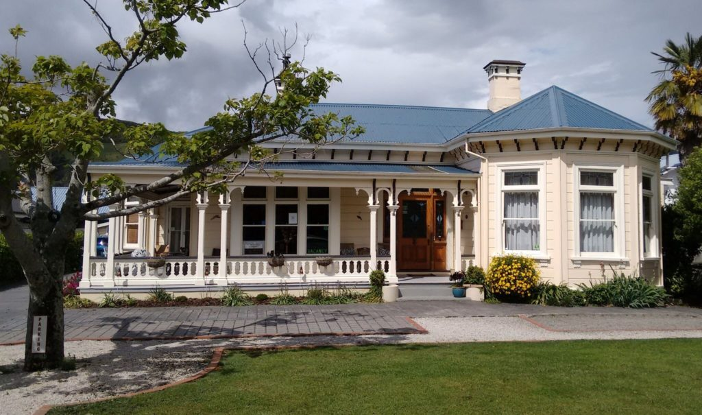 Exterior of Collingwood Manor in New Zealand
