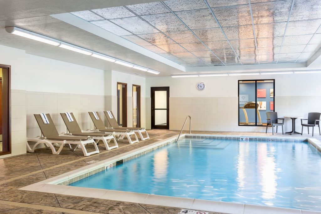The internal pool at Comfort Suites Hartville.