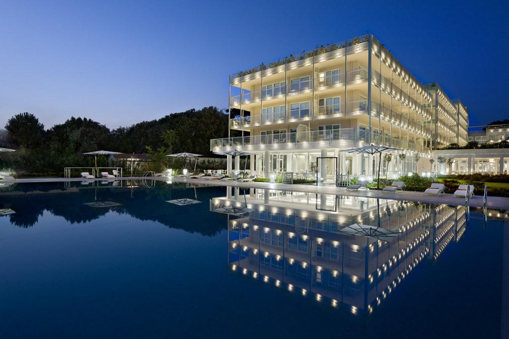 UNA Hotel Versilia - Vincitore trivago Awards Catene