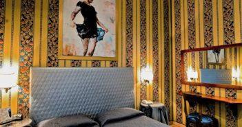 Camera da letto dell'Hotel Lirico di Roma